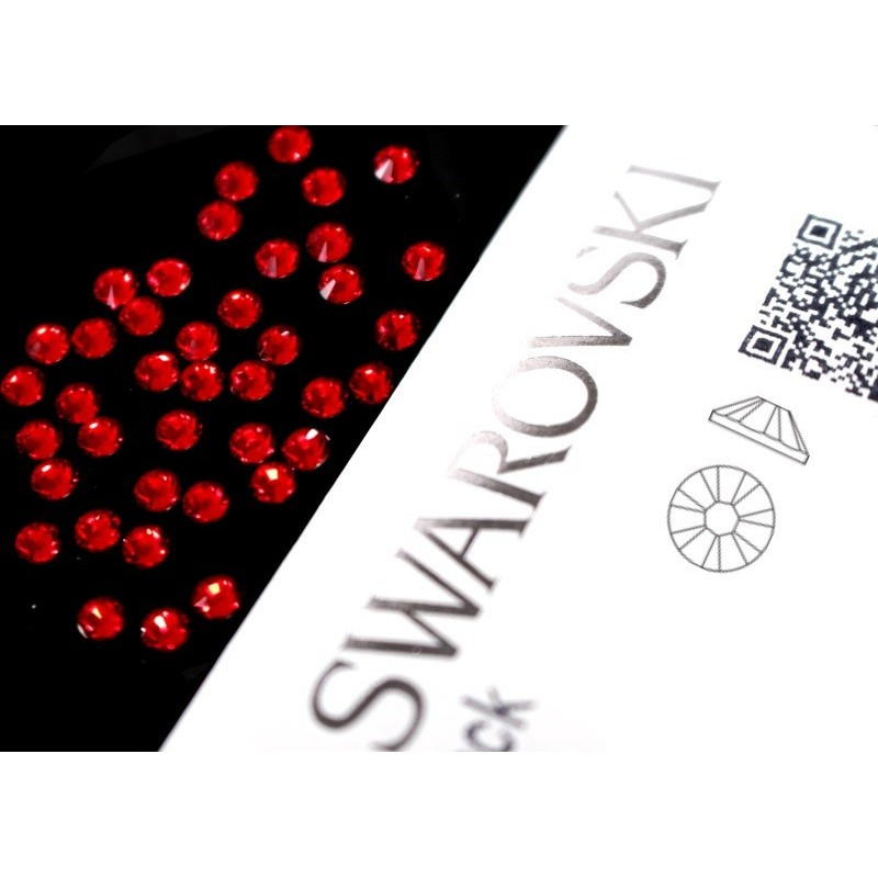 2058 Swarovski - Light Siam 40st (ca.2.6mm)